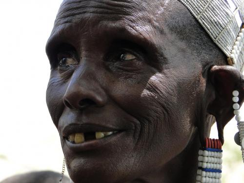 Tanzania_Masaai_vrouw_april_2012_verkleind